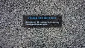 Αδύνατη ή καμία επιγραφή σημάτων στην τηλεοπτική οθόνη με το θόρυβο ελεύθερη απεικόνιση δικαιώματος
