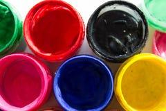 βάζα με το χρώμα γκουας στοκ εικόνες