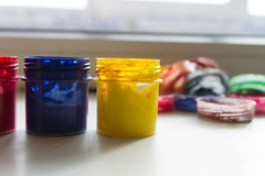 βάζα του ακρυλικού χρώματος Στοκ φωτογραφία με δικαίωμα ελεύθερης χρήσης