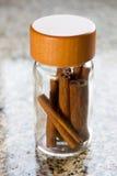 βάζο κανέλας Στοκ φωτογραφία με δικαίωμα ελεύθερης χρήσης