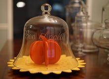 Βάζο κουδουνιών Appetit Bon με την αισθητή κολοκύθα Στοκ εικόνες με δικαίωμα ελεύθερης χρήσης