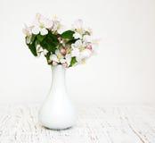 Βάζο με τα άνθη της Apple Στοκ φωτογραφία με δικαίωμα ελεύθερης χρήσης