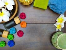 Βάζο, πετσέτα και σαπούνι Aromatherapy Στοκ φωτογραφίες με δικαίωμα ελεύθερης χρήσης