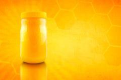 Βάζο του μελιού μελισσών Στοκ Φωτογραφίες