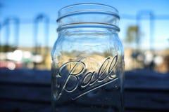 Βάζο του Mason σφαιρών στο φραγμό Καλιφόρνιας Στοκ εικόνες με δικαίωμα ελεύθερης χρήσης