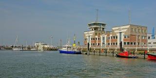 Βάρκα αστυνομίας και υπηρεσιών διάσωσης στο λιμάνι Οστάνδης, Βέλγιο στοκ φωτογραφία με δικαίωμα ελεύθερης χρήσης