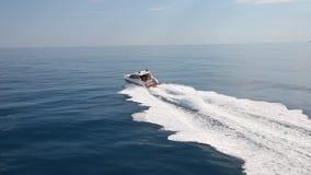 Βάρκα γιοτ μηχανών απόθεμα βίντεο