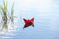 Βάρκα εγγράφου Στοκ φωτογραφίες με δικαίωμα ελεύθερης χρήσης
