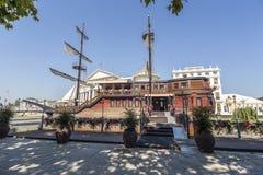 Βάρκα-εστιατόριο στα Σκόπια στοκ φωτογραφία με δικαίωμα ελεύθερης χρήσης