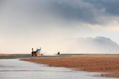 Βάρκα και Nimbus στοκ εικόνες με δικαίωμα ελεύθερης χρήσης
