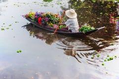Βάρκα λουλουδιών Στοκ εικόνες με δικαίωμα ελεύθερης χρήσης