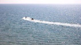 Βάρκα μπανανών και αεριωθούμενο σκι απόθεμα βίντεο