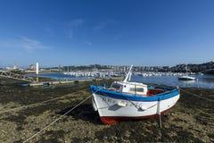 Βάρκα που περιμένει τη ναυσιπλοΐα Στοκ Φωτογραφίες