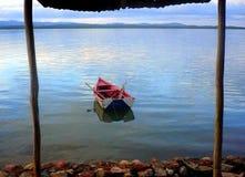Βάρκα που πλαισιώνεται Στοκ Εικόνες