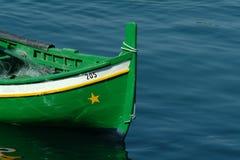βάρκα πράσινη στοκ φωτογραφία με δικαίωμα ελεύθερης χρήσης