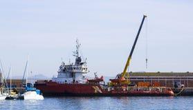 Βάρκα πλατφορμών άντλησης πετρελαίου Στοκ Εικόνα