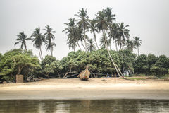 Βάρκα στην παραλία Krokobite στην Άκρα, Γκάνα Στοκ Φωτογραφία
