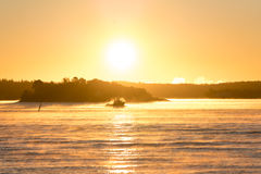 Βάρκα στην υδρονέφωση Στοκ φωτογραφία με δικαίωμα ελεύθερης χρήσης