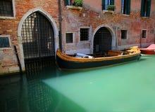 Βάρκα στη Βενετία, Ιταλία Στοκ εικόνα με δικαίωμα ελεύθερης χρήσης
