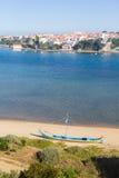 Βάρκα στον ποταμό της Mira Vila Nova de Milfontes στοκ εικόνα