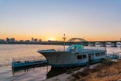 Βάρκα στον ποταμό Hangang στοκ εικόνα με δικαίωμα ελεύθερης χρήσης