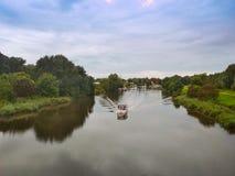 Βάρκα στον ποταμό Maade σε Ruestersiel, Γερμανία Στοκ φωτογραφίες με δικαίωμα ελεύθερης χρήσης