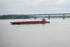 Βάρκα στο ποτάμι Μισισιπή στοκ εικόνες