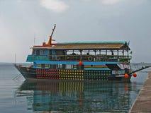 βάρκα τουριστική Στοκ φωτογραφία με δικαίωμα ελεύθερης χρήσης
