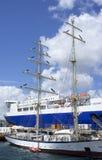 Βάρκα φορτίου και ναυτικών Στοκ Εικόνες