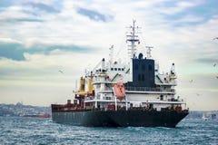 Βάρκα φορτίου στοκ εικόνες