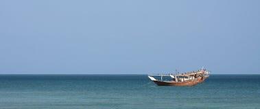βάρκα dhow που αλιεύει Στοκ φωτογραφία με δικαίωμα ελεύθερης χρήσης