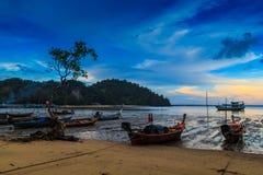 Βάρκα Longtail που σταθμεύουν στοκ φωτογραφία με δικαίωμα ελεύθερης χρήσης
