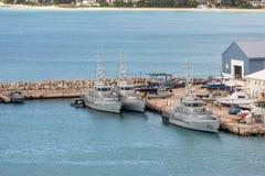 Βάρκες ακτοφυλακής στα Μπαρμπάντος στοκ εικόνες
