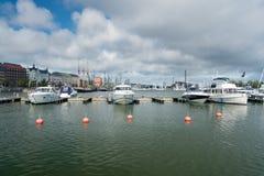 Βάρκες δύναμης στο λιμάνι στο Ελσίνκι Στοκ Εικόνες