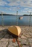 Βάρκες εκτός από Maggiore τη λίμνη, Ιταλία Στοκ Φωτογραφίες