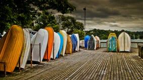 βάρκες ζωηρόχρωμες Στοκ φωτογραφίες με δικαίωμα ελεύθερης χρήσης