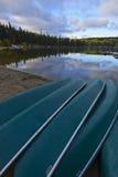 Βάρκες και λίμνη πυραμίδων Στοκ Εικόνες