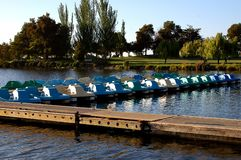 Βάρκες κουπιών μέσα για την ημέρα Στοκ Εικόνα