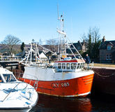 Βάρκες κλειδαριές στις καληδονιακές καναλιών Στοκ φωτογραφία με δικαίωμα ελεύθερης χρήσης