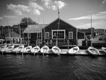 Βάρκες πανιών στην αποβάθρα Στοκ Φωτογραφίες