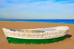 Βάρκες παραλιών Λα Malvarrosa της Βαλένθια που προσαράσσουν Στοκ Φωτογραφίες