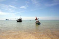 βάρκες που αλιεύουν την & Στοκ εικόνα με δικαίωμα ελεύθερης χρήσης