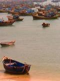 βάρκες που αλιεύουν το & Στοκ Εικόνες