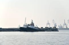 Βάρκες ρυμουλκών στο λιμάνι Στοκ Φωτογραφία