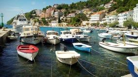 Βάρκες σε ένα λιμάνι στοκ εικόνες με δικαίωμα ελεύθερης χρήσης