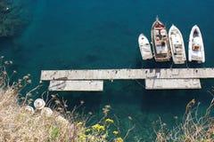 Βάρκες σε ένα προσγειωμένος στάδιο Στοκ φωτογραφία με δικαίωμα ελεύθερης χρήσης