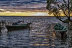 Βάρκες στα χρώματα πτώσης Στοκ φωτογραφία με δικαίωμα ελεύθερης χρήσης
