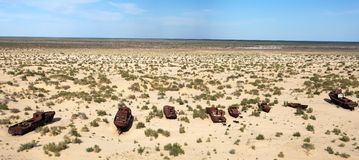 Βάρκες στην έρημο - θάλασσα της ARAL στοκ φωτογραφίες