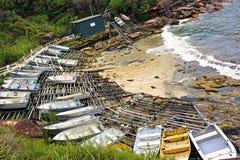 Βάρκες στην ακτή Coogee, Σίδνεϊ, Αυστραλία Στοκ φωτογραφία με δικαίωμα ελεύθερης χρήσης
