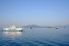 Βάρκες στην εσωτερική θάλασσα κοντά στη Χιροσίμα, Ιαπωνία Στοκ εικόνες με δικαίωμα ελεύθερης χρήσης